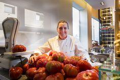 La chef cordobesa Pepa Muñoz lleva desde 2003 seleccionando algunos de los mejores tomates que se pueden encontrar en España. Y estos son sus consejos para preparar el mejor salmorejo