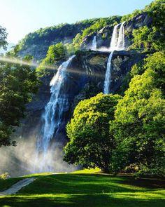 Cascate dell'Acquafraggia (waterfalls), near Piuro, Sondrio province, Lombardy, Italy.