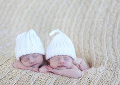 Google Image Result for http://rialeephotography.com/blog/wp-content/uploads/2010/02/newborn-twins-photos.jpg