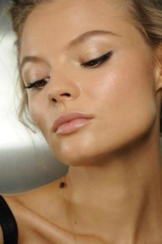 Dewy glow - great for flawless skin but would probably be awful on enlarged pores.