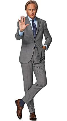 Suitsupply Suits: Soft-shoulders, great construction with a slim fit—our tailored, washed and formal suits are ideal for any situation. Formal Suits, Men Formal, Mens Style Guide, Men Style Tips, Mens Fashion Suits, Mens Suits, Great Clothes For Men, Costume Gris, Preppy Men