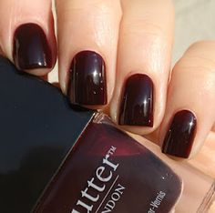 Butter London, my new obsession :) This La Moss color is amazing! Going to make it last!