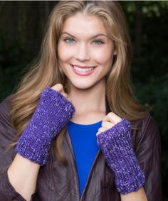 Hocus Pocus Wristlets Free Knitting Pattern from Red Heart Yarns reflective yarn Fingerless Gloves Knitted, Crochet Gloves, Knit Mittens, Knit Or Crochet, Knit Poncho, Crochet Purses, Crotchet, Crochet Pattern, Easy Knitting