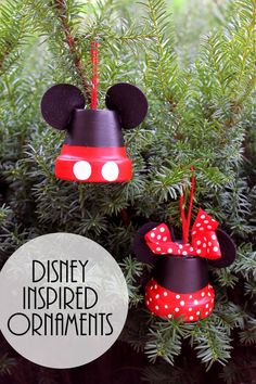 Mickey & Minnie: Make Disney Inspired Ornaments, DIY and Crafts, These Mickey and Minnie ornaments are perfect for your tree! Make your own Disney inspired ornaments for Christmas! Disney Christmas Decorations, Disney Ornaments, Christmas Projects, Christmas Tree Ornaments, Christmas Holidays, Diy Crafts For Christmas, Tree Decorations, Mickey Mouse Christmas Tree, Mickey Mouse Wreath