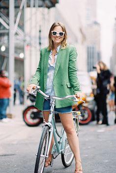 Green blazer - cut-off denim shorts - blue shirt - sunnies / Vanessa Jackman Vanessa Jackman, Cycle Chic, Tweed, Blazers, Green Blazer, Mint Blazer, Outfits Damen, Bike Style, Girl Fashion