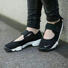 Nike Air Rift Black White Premium Quality Size = 37-44 Rp 450.000  #jualansepatukece #olshopsepatumurah #olshopsepatuwanita #shoesolshop #olshopmurahbandung #olshopku #jualankuw #olshopindonesia #flatshoesmurah #flatshoes #flatshoesmurmer #sneakers #sepatucowokmurah #sepatunikemurah #sepatunikerunning #sepatucasualmurah #sepatusportmurah #sepatufitnes #sepatubandung #sepatuolahraga #sepatuolahragamurah #sepatuimport #sepatujalan #sepatuvans #sneakermurah #sepatuoriginalmurah…