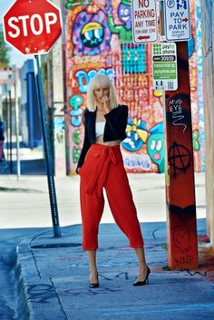 KAROLINA KURKOVA SPORTS HIGH STREET STYLE FOR ELLE CZECH
