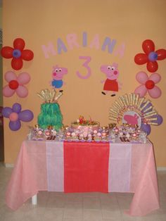 Peppa Pig party-.. Love the flower balloons.
