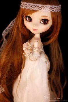 amazing...pullip doll