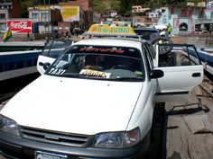 Taxi en el que hicimos el recorrido de Copacabana a La Paz. Cruzamos con el en la balsa.