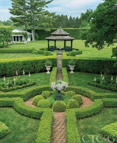 61 beautiful front yard cottage garden landscaping ideas - All For Garden Formal Garden Design, Herb Garden Design, Garden Art, English Garden Design, Formal Gardens, Outdoor Gardens, Boxwood Garden, Garden Hedges, Front Yard Landscaping