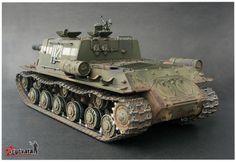 ISU-152 1/35 Scale Model