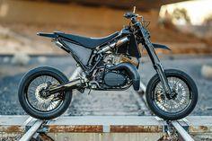 Yamaha Supermoto by Spoken Moto Ducati Scrambler, Scrambler Motorcycle, Yamaha, Best Motorbike, Motorbike Design, Custom Motorcycles, Custom Bikes, Supermoto Racing, Tracker Motorcycle
