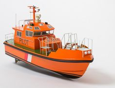 Aeronaut Pilot Model Boat Kit - Suitable For Radio Control