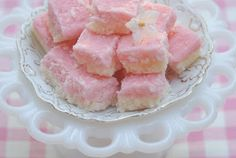 South African Recipes COCONUT ICE No cook, quick to make and super addictive! Only 5 ingredients. Read Recipe by SAfricanRecipes Candy Recipes, My Recipes, Cooking Recipes, Favorite Recipes, Coconut Ice Recipe, Coconut Recipes, African Dessert, South African Recipes, Thinking Day