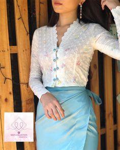 Modest Fashion Hijab, Indian Fashion Dresses, Girls Fashion Clothes, Traditional Dresses Designs, Traditional Thai Clothing, Traditional Outfits, Myanmar Dress Design, Myanmar Traditional Dress, Kebaya
