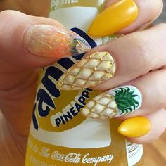 Pineapple press on nails / Fake nails
