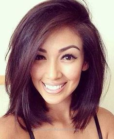 One of the best layered bob for older women styles is definitely the long bob style. Long bob is very chic, simple, yet elegant. Long bob is very. New Hair, Your Hair, Medium Hair Cuts, Side Bangs With Medium Hair, Short Hair Side Part, Pretty Hairstyles, Layered Hairstyles, Hairstyles 2016, Anime Hairstyles