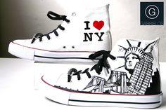 Zapatillas customizadas y pintadas a mano www.facebook.com/gabrieloshoes