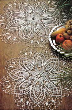 Crochet doilies - free pattern