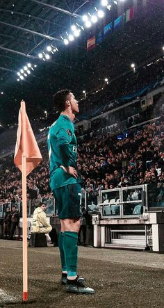 Looking for New 2019 Juventus Wallpapers of Cristiano Ronaldo? So, Here is Cristiano Ronaldo Juventus Wallpapers and Images Cristiano Ronaldo 7, Christano Ronaldo, Ronaldo Junior, Real Madrid Cristiano Ronaldo, Cr7 Junior, Cristiano Ronaldo Wallpapers, Juventus Wallpapers, Real Madrid Champions League, Ronaldo Real Madrid