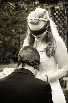 21 Brides And Grooms Praying Together Before Their Weddings - BuzzFeed Mobile--- So cute!
