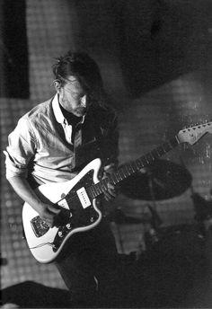 Thomas Edward Yorke (Radiohead) & Fender Jazzmaster