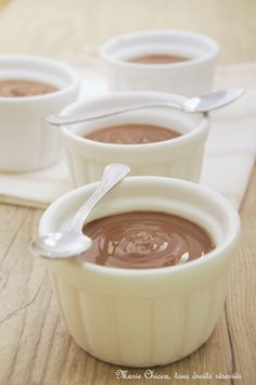 Des petites crèmes dessert bio, gourmandes et alternatives  Fans de crèmes dessert, à vos cuillères! Je vous livre 5 recettes pour le « prix » d'une… Et faciles à faire en plus, du genre « tout-dans-la-casserole-deux-minutes-de-cuisson-c'est-prêt », bref, pas trop traumatisantes pour les cuisinier(e)s en vacances… Si vous pensez qu'il n'y a rienLire la suite...