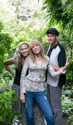 Carly Simon with her children, Sally Taylor and Ben Taylor