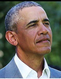 A REAL President. We love and miss you, President Obama! Black Presidents, Greatest Presidents, American Presidents, First Black President, Former President, Barak And Michelle Obama, Presidente Obama, Barack Obama Family, Barrack Obama