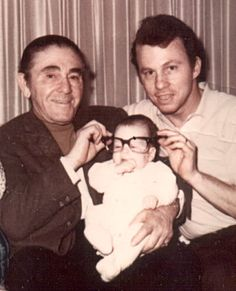 Stooges family pictures | three stooges Moe howard with son Paul and  grand daughter 1969 family ...