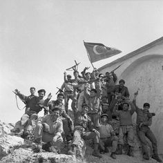 TMT Turkish Cypriot militia members during the Inter-communal Conflict. Modern History, Art History, North Cyprus, Republic Of Turkey, Turkish Army, Historical Pictures, Middle East, Mount Rushmore, Greece