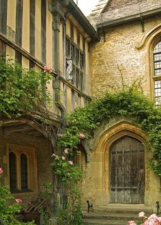 15th century Great Chalfield Manor, Wiltshire (via Structures of Old)