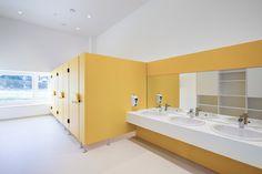Kindergarten gralla - Möbelbau Breitenthaler, Tischlerei Kids Bedroom, Bedroom Decor, Kindergarten, Bathroom Lighting, Bathtub, Mirror, Furniture, Home Decor, Plant Nursery