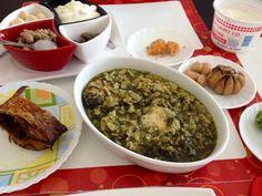 ناهار امروز شنبه ٢٣/١١/٢٠١٣ باقلي قاتوق ( غذاي گيلاني )  با ماهي دودي و اشپيل ماهي