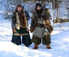 Dwergen komen uit de Germaanse en Noorse mythologie. De Scandinavische wortels zijn goed te zien in de kleding van deze Dwergen.