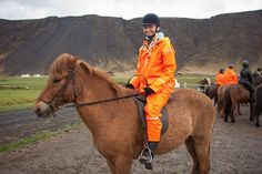 Heavy duty rainwear and raingear from the Icelandic fashion brand. How to combine a PVC raincoat into a stunning look for rainy weather Horse Riding Pants, Trail Riding Horses, Horse Riding Quotes, Horse Riding Tips, Horseback Riding Outfits, Horseback Riding Lessons, Wellies Rain Boots, Rain Suit, Pvc Raincoat
