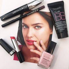Makeup Pop of Pink: Get This Look #makeup #popofpinklipstick #avon #makeuplovers #makeupaddict #lipsticklovers #bbcream #mascara #eyeliner #lipstick #nailpolish #memorialday #memorialdaysale #memorialdayweekend #getthislook #fotd #avonmakeup #buyavon