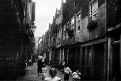 De Lange Lijnstraat tussen 1903 en 1908. De straat liep tussen de Goudsesingel en de Bredestraat
