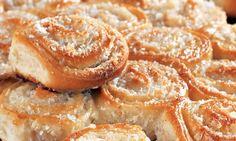 Pão doce de creme e coco