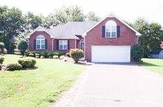 108 Lindsey Dr, Goodlettsville, TN 37072. 3 bed, 3 bath, $234,943. Stunning  home situa...