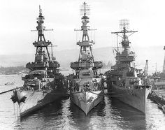 CV-16 — Heavy cruisers USS Salt Lake City, Pensacola and...