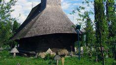Biserica de lemn Sf. Arhangheli din Rogoz O călătorie virtuală prin Maramureş - galerie foto. Vezi mai multe poze pe www.ghiduri-turistice.info Sursa : http://ro.wikipedia.org/wiki/Fișier:Biserica_de_lemn_Sf.Arhangheli_Rogoz_(10).JPG