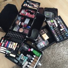 Freelance makeup kit organization ideas