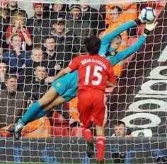 Edwin van der Sar, Netherlands (Ajax, Juventus, Fulham, Manchester United, Netherlands) #soccer #goalkeeper #greatsave #goalkeepingismylife