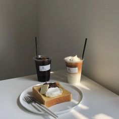 We are at 400 post! Cafe Menu, Cafe Food, Aesthetic Coffee, Aesthetic Food, Coffee Cafe, Coffee Shop, Drink Coffee, Iced Coffee, Good Food