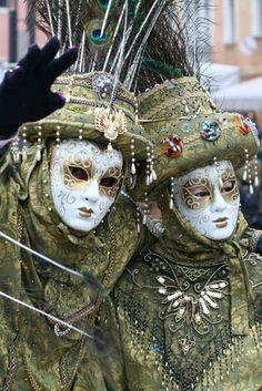 How to Make Italian Masks