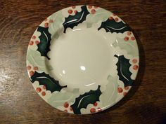 Big Holly 8.5 inch Plate 2006 (Discontinued)
