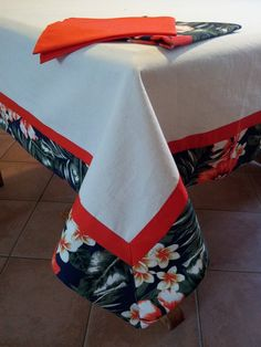 Dining Table Cloth, Table Linens, Button Hole Stitch, Sewing Crafts, Sewing Projects, Crewel Embroidery, Small Quilts, Table Covers, Designer Throw Pillows