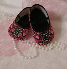 Baby crib shoeshot pink cheetah/chanel by Sassykatboutique on Etsy, $15.00